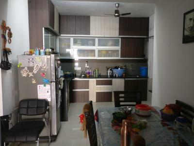 Gallery Cover Image of 1150 Sq.ft 2 BHK Apartment for rent in Alcon Renaissant, Kharadi for 27000