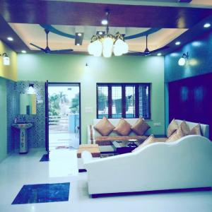 Gallery Cover Image of 4500 Sq.ft 10 BHK Villa for buy in Subhash Nagar for 15000000