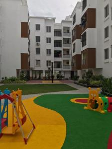 Gallery Cover Image of 605 Sq.ft 2 BHK Apartment for rent in Sithalapakkam for 20000