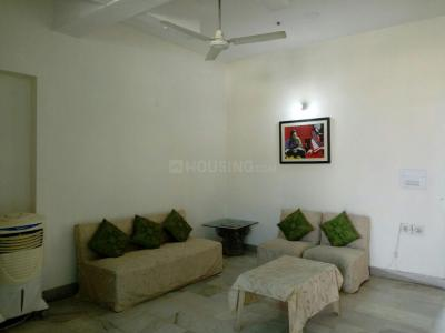 Gallery Cover Image of 2700 Sq.ft 2 BHK Independent Floor for rent in DLF Phase 3, DLF Phase 3 for 22000