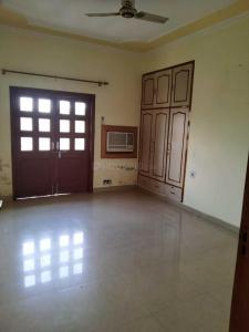 Gallery Cover Image of 1650 Sq.ft 3 BHK Apartment for rent in Sector 18 Dwarka for 26500