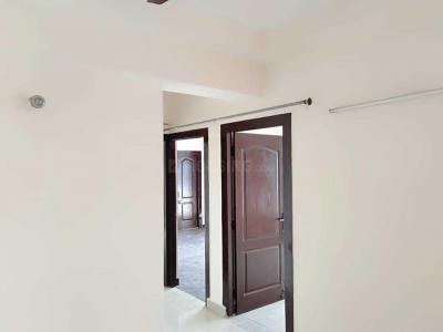 Gallery Cover Image of 1230 Sq.ft 2 BHK Apartment for rent in Mahagun Mascot, Crossings Republik for 8000