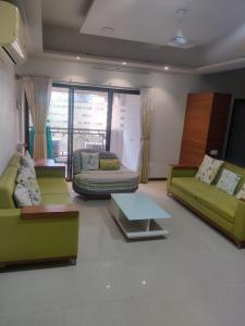 Gallery Cover Image of 2250 Sq.ft 3 BHK Apartment for buy in Sanmay Apartments, Bodakdev for 16500000