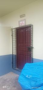 Gallery Cover Image of 800 Sq.ft 2 BHK Independent House for rent in Paschim Putiary for 6000
