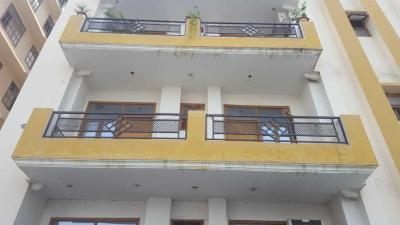 Gallery Cover Image of 1750 Sq.ft 3 BHK Apartment for buy in Chinhat Tiraha for 4800000