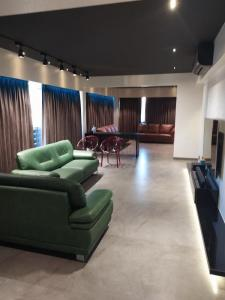 Gallery Cover Image of 3800 Sq.ft 4 BHK Apartment for buy in Sankalp Sapphire, Prahlad Nagar for 35000000