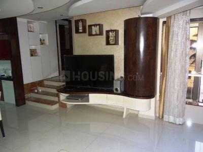 Gallery Cover Image of 2200 Sq.ft 3 BHK Apartment for buy in Bandra West for 150000000