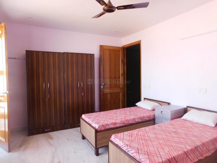 नेस्टईज़ी होम्स इन सेक्टर 17 के बेडरूम की तस्वीर