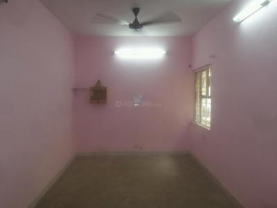 Gallery Cover Image of 1300 Sq.ft 2 BHK Apartment for rent in Mayur Vihar II for 20000