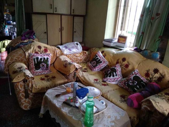 तलतला में माहेश्वरी पीजी के लिविंग रूम की तस्वीर