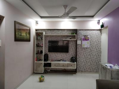 Gallery Cover Image of 950 Sq.ft 2 BHK Apartment for buy in Malad West for 17000000