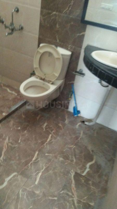 Common Bathroom Image of 2000 Sq.ft 3 BHK Independent Floor for rent in Sector 15A for 20000