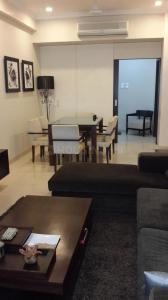 Gallery Cover Image of 600 Sq.ft 1 BHK Apartment for rent in Marine Lines for 68000
