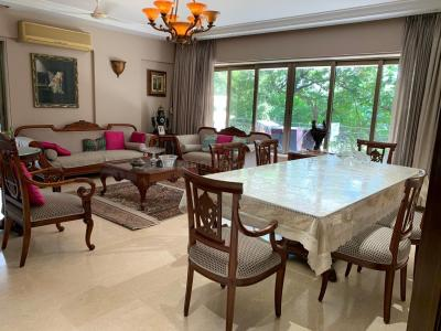 Gallery Cover Image of 1800 Sq.ft 3 BHK Apartment for rent in Khar West for 300000
