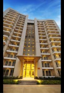 Gallery Cover Image of 1400 Sq.ft 2 BHK Apartment for buy in BPTP Discovery Park, Sector 80 for 4400000