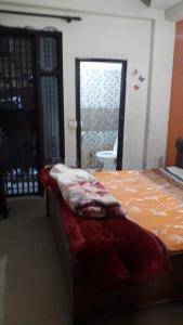 Gallery Cover Image of 850 Sq.ft 2 BHK Independent Floor for rent in Niti Khand for 16000