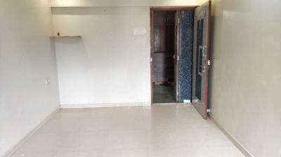 Gallery Cover Image of 570 Sq.ft 1 BHK Apartment for buy in New Heritage Cooperative Housing Society, Dahisar West for 9300000