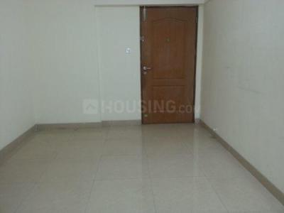 Gallery Cover Image of 590 Sq.ft 1 BHK Apartment for rent in Raheja Reflections, Kandivali East for 26000