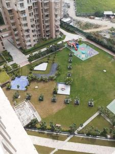 Gallery Cover Image of 1740 Sq.ft 3 BHK Apartment for rent in Nirala Greenshire, Noida Extension for 9000