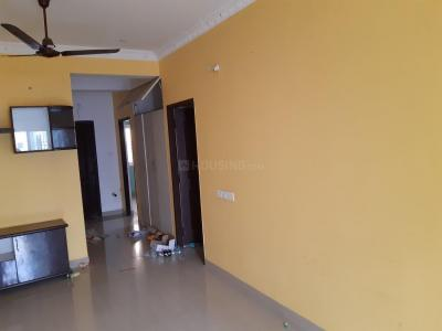Gallery Cover Image of 1600 Sq.ft 3 BHK Apartment for rent in Pallikaranai for 18000