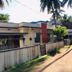 Gallery Cover Image of 1200 Sq.ft 2 BHK Independent House for rent in Santhekatte for 12000