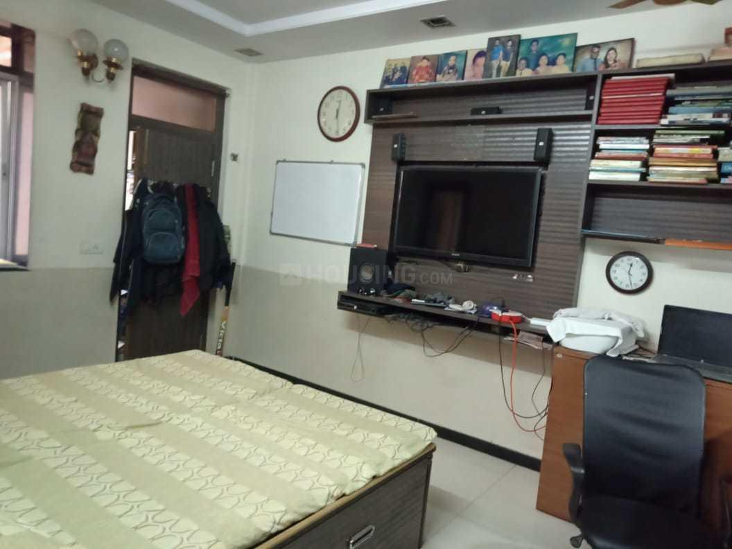 Bedroom Image of 580 Sq.ft 1 BHK Apartment for rent in Sion for 38000