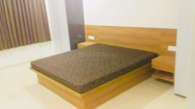 Gallery Cover Image of 2666 Sq.ft 4 BHK Apartment for rent in Thaltej for 75000