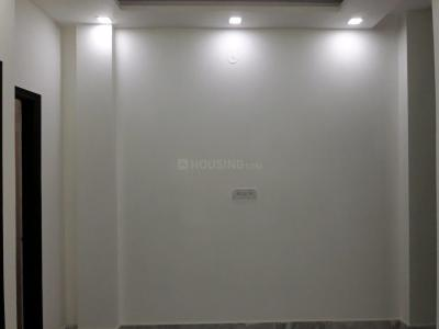 Gallery Cover Image of 450 Sq.ft 2 BHK Apartment for rent in Sector 4 Rohini for 10000
