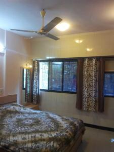 Gallery Cover Image of 650 Sq.ft 1 BHK Apartment for rent in Khar West for 55000