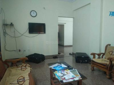 Gallery Cover Image of 1500 Sq.ft 2 BHK Apartment for rent in Adugodi for 28000