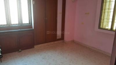 Gallery Cover Image of 950 Sq.ft 2 BHK Apartment for buy in Ambattur for 3700000