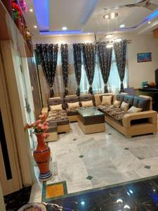 Gallery Cover Image of 1800 Sq.ft 7 BHK Villa for buy in Industrial Estate for 15000000