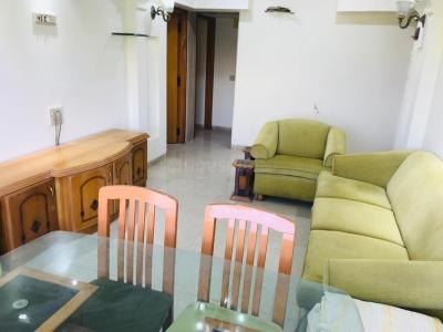 Gallery Cover Image of 1200 Sq.ft 2 BHK Apartment for rent in Juhu for 100000