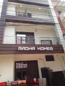 Gallery Cover Image of 968 Sq.ft 3 BHK Independent Floor for buy in Shakti Khand for 5200000