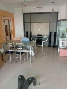 Gallery Cover Image of 1900 Sq.ft 3 BHK Apartment for buy in Alkapuri for 8500000