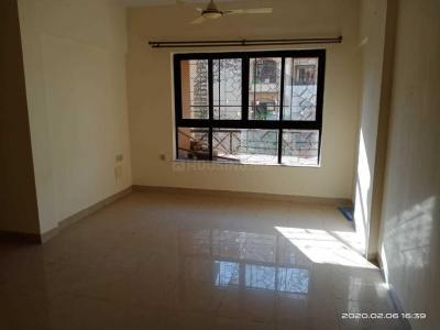 Gallery Cover Image of 1065 Sq.ft 3 BHK Apartment for rent in Kandivali East for 29000