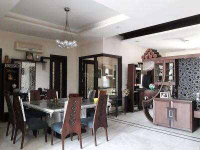 Gallery Cover Image of 7000 Sq.ft 4 BHK Independent House for buy in Sector 31 for 65000000