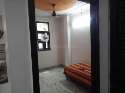 Gallery Cover Image of 550 Sq.ft 1 BHK Independent Floor for rent in Shakarpur Khas for 14000