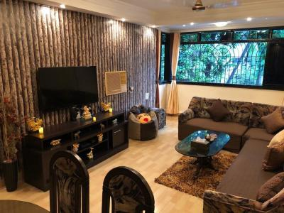 Gallery Cover Image of 1120 Sq.ft 3 BHK Apartment for rent in Santacruz West for 95000