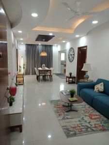 Gallery Cover Image of 1710 Sq.ft 3 BHK Apartment for buy in Nallagandla for 10260000