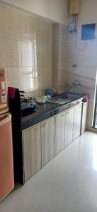 Gallery Cover Image of 1100 Sq.ft 2 BHK Apartment for rent in Malad West for 47000