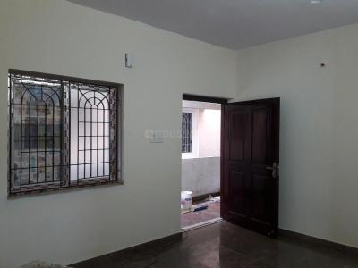 Gallery Cover Image of 550 Sq.ft 1 BHK Apartment for rent in Choolaimedu for 11000