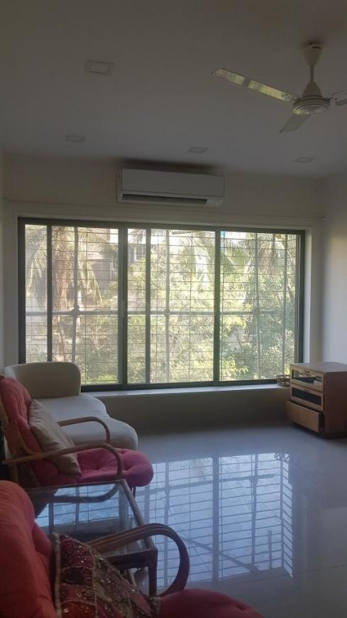 Living Room Image of 750 Sq.ft 1 BHK Apartment for rent in Bandra West for 80000