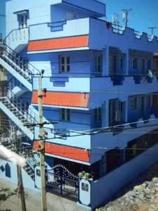 Gallery Cover Image of 600 Sq.ft 1 BHK Independent House for rent in Maruthi Nilaya, Mahadevapura for 12000