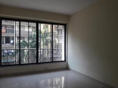Gallery Cover Image of 560 Sq.ft 1 BHK Apartment for rent in Kandivali East for 22000