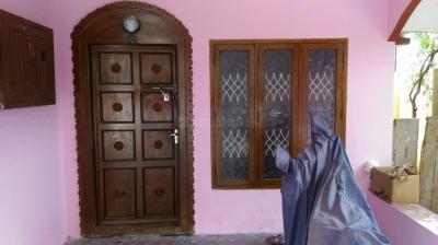 Gallery Cover Image of 1100 Sq.ft 2 BHK Independent Floor for rent in Thirumullaivoyal for 15000