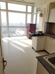 Gallery Cover Image of 1800 Sq.ft 4 BHK Apartment for rent in Sector 93B for 31001