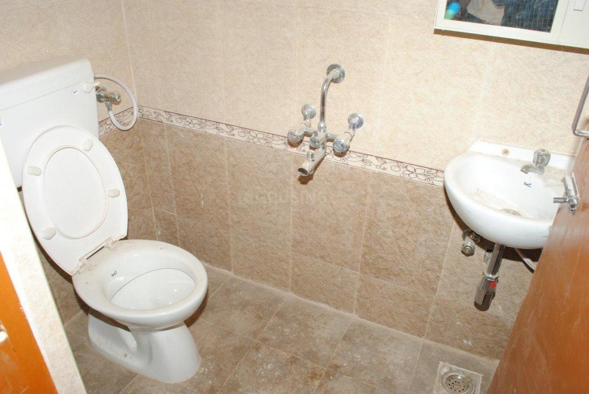 Common Bathroom Image of 1224 Sq.ft 3 BHK Independent House for buy in Poonamallee for 5600000