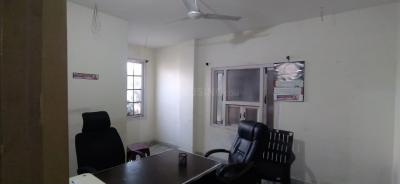 Gallery Cover Image of 1600 Sq.ft 3 BHK Apartment for rent in  Mohammed Residency, Madhura Nagar for 17000