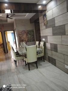 Gallery Cover Image of 2275 Sq.ft 4 BHK Apartment for rent in Ajnara Daffodil, Sector 137 for 50000